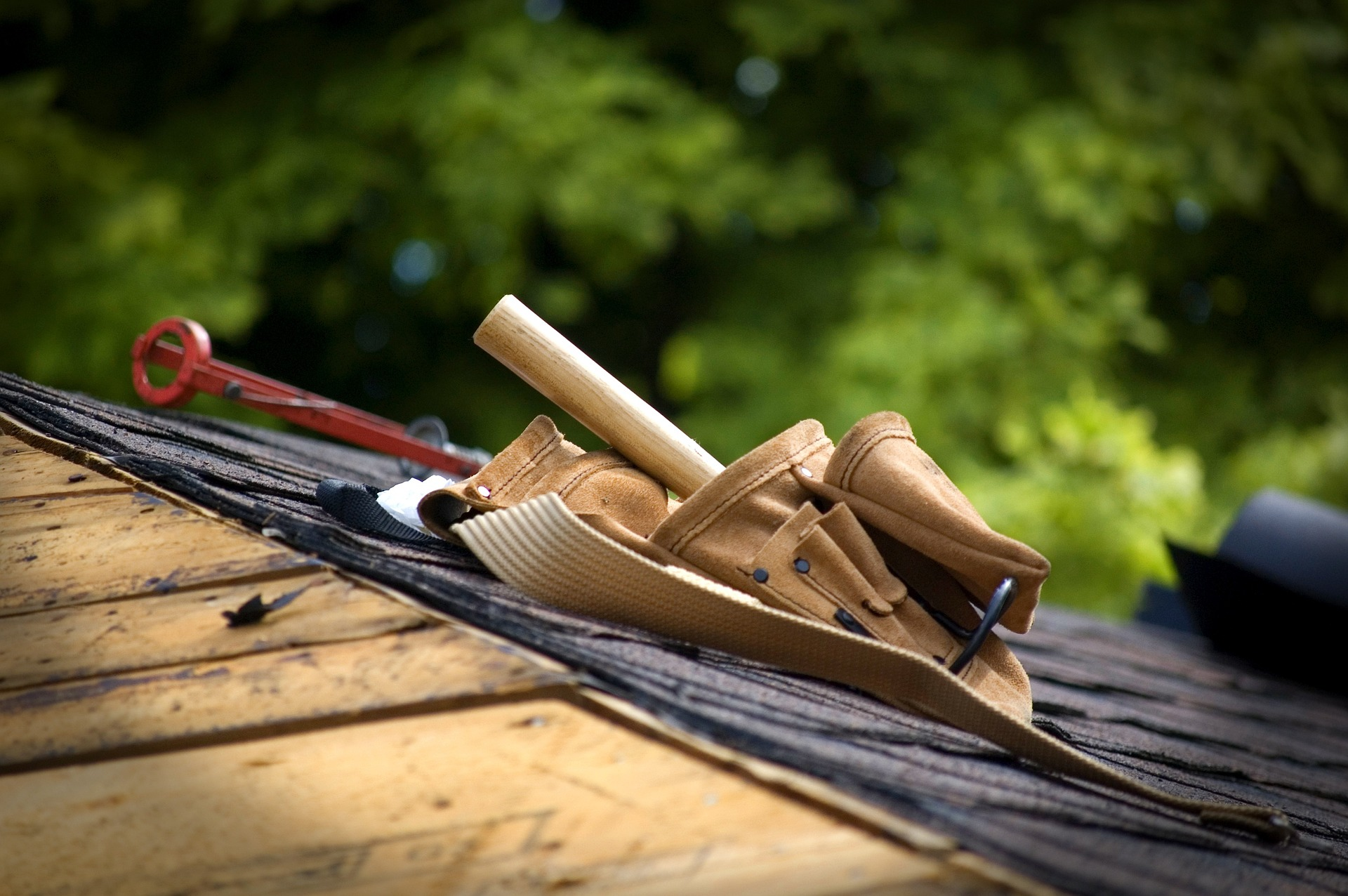 Read About the Different Types of Roofing